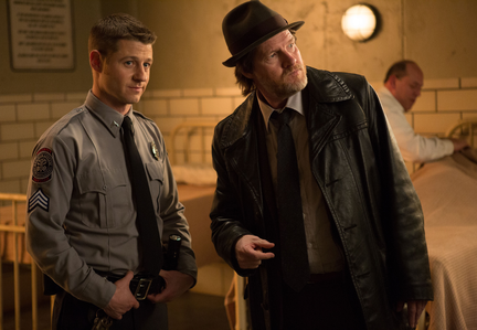 Gotham-ep111_scn33_18175_preview