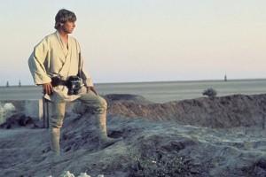 Luke_on_Tatooine-LUCASFILM