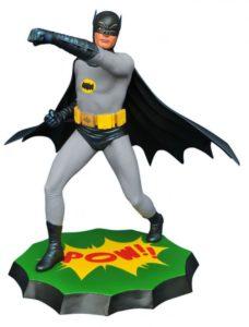 BatmanStatue-590x778