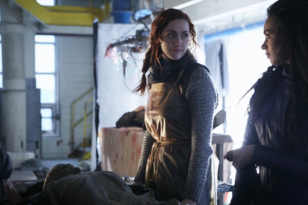 "KILLJOYS -- Episode 202 -- Pictured: (l-r) Sarah Power as Pawter, Hannah John-Kamen as ""Dutch"" -- (Photo by: Ian Watson/Syfy/Killjoys II Productions Limited)"