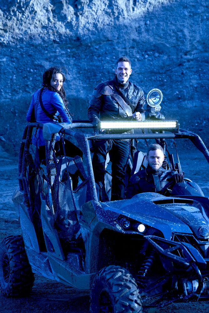 KILLJOYS -- Episode 203 -- Pictured: (l-r) Hannah John-Kamen as Dutch, Luke Macfarlane as D'avin, Aaron Ashmore as John -- (Photo by: Steve Wilkie/Syfy/Killjoys II Productions Limited)