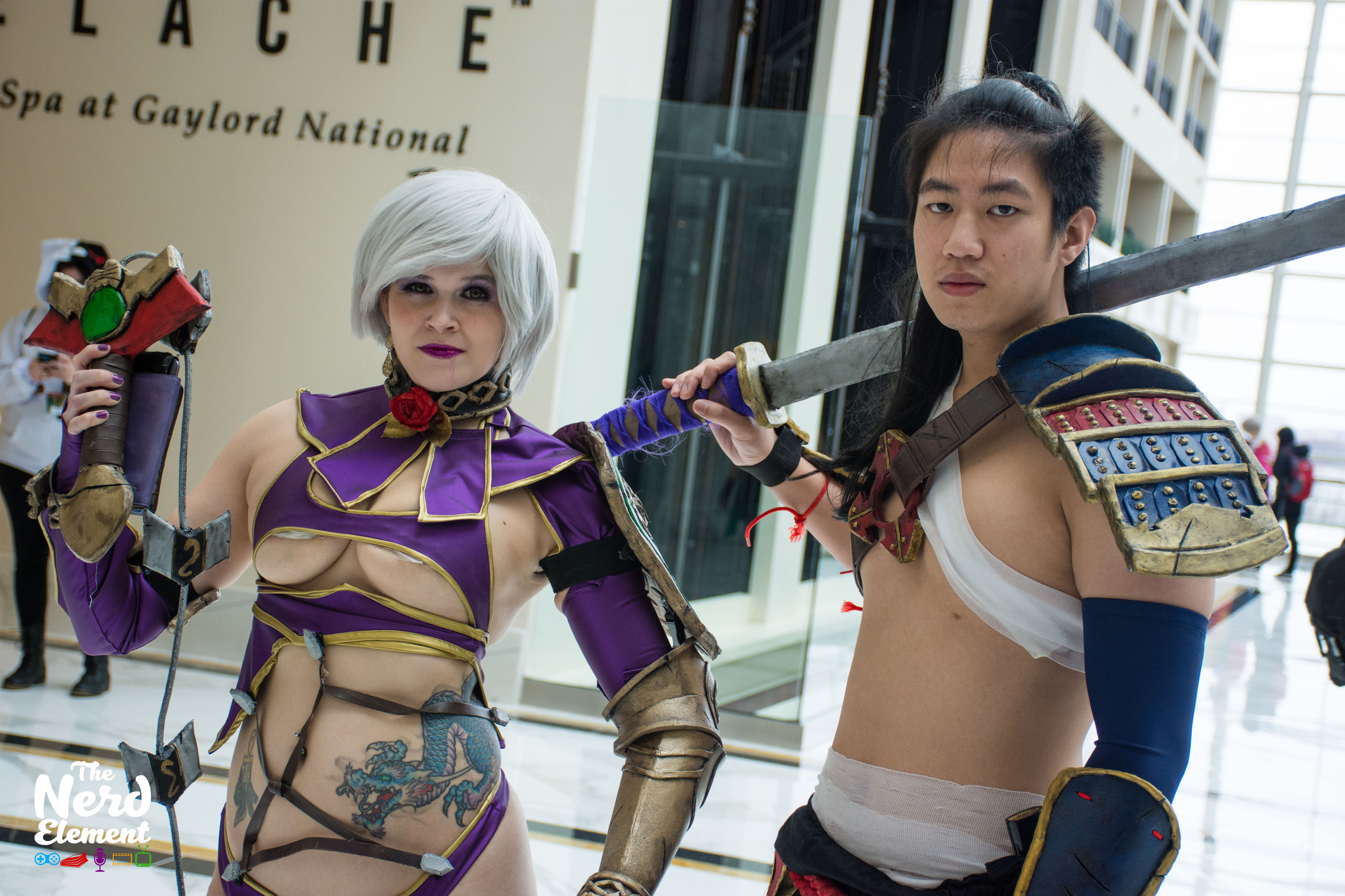 Ivy and Mitsurugi - Soul Calibur series Cosplayers: Valkyrie Cosfit (fb) and hollandazemedia (ig)