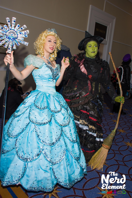 Glinda and Elphaba - Wicked, the Musical Cosplayer: pinkiebel (ig)