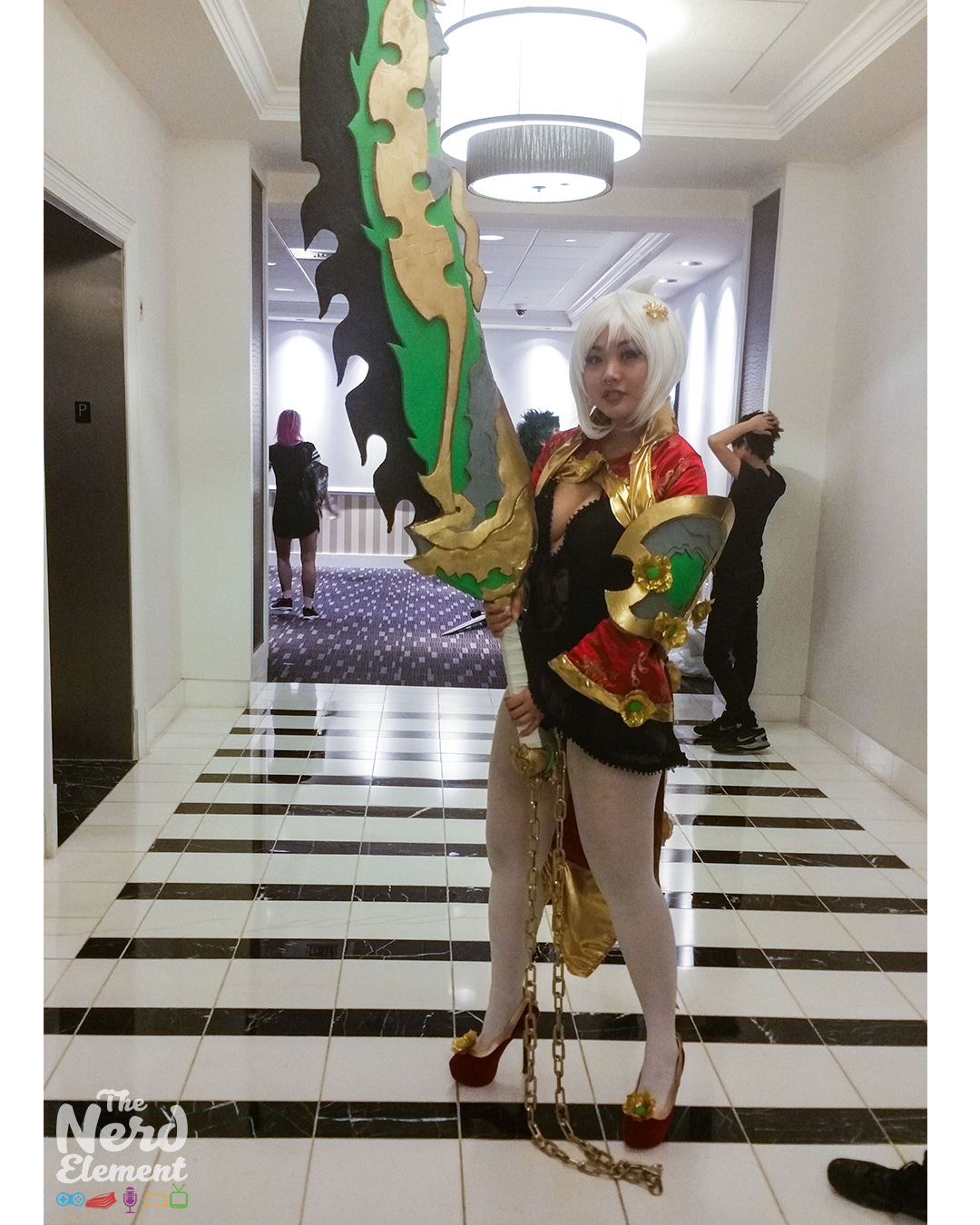 Riven (Dragonblade skin) - League of Legends Cosplayer: unknown