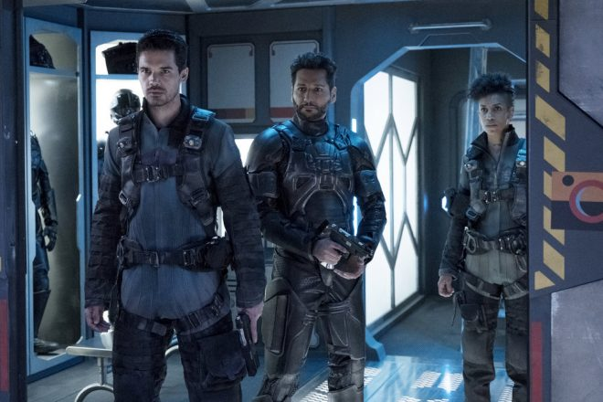 """THE EXPANSE -- """"Iff"""" Episode 302 -- Pictured: (l-r) Steven Strait as Earther James Holden, Cas Anvar as Alex Kamal, Dominique Tipper as Naomi Nagata -- (Photo by: Rafy/Syfy)"""