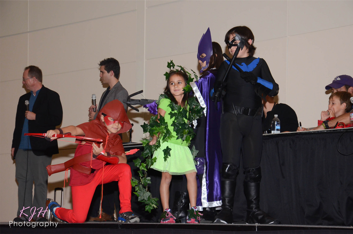 Arsenal, Poison Ivy, Huntress, and Nightwing