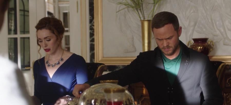 """KILLJOYS -- """"Meet The Parents"""" Episode 205  - Sarah Power as Pawter and Aaron Ashmore as John"""