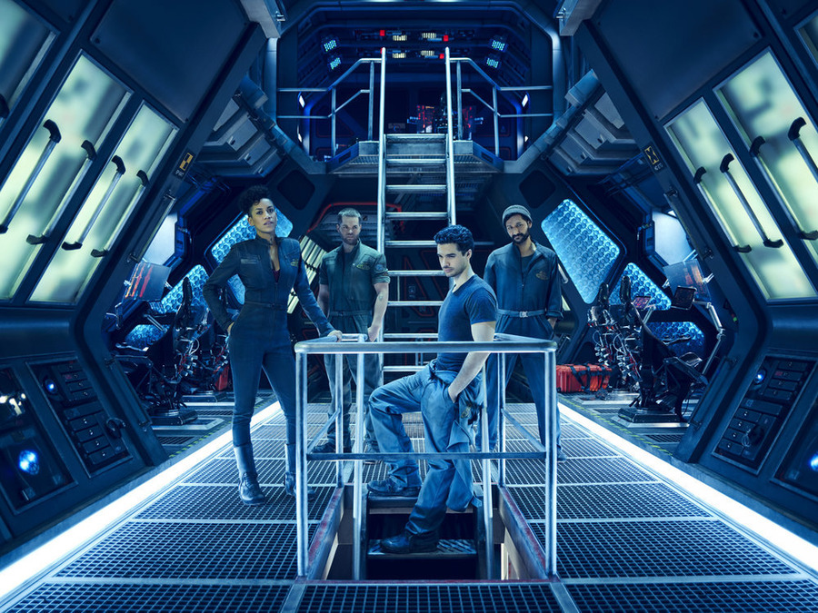 THE EXPANSE -- Season:1 -- Pictured: (l-r) Dominique Tipper as Naomi Nagata, Wes Chatham as Amos, Steven Strait as Earther James Holden -- (Photo by: Jason Bell/Syfy)