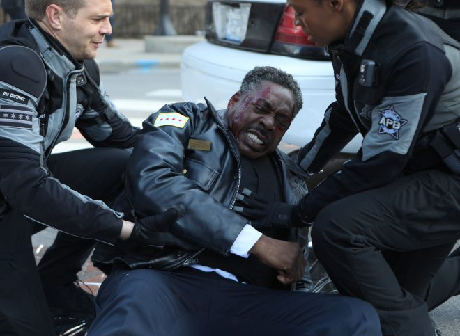 """APB: L-R: Taylor Handley, Ernie Hudson and Tamberla Perry in the all-new """"Ricochet"""" season finale episode of APB airing Monday, April 24 (9:01-10:00 PM ET/PT) on FOX. CR: FOX. © 2017 FOX Broadcasting Co."""