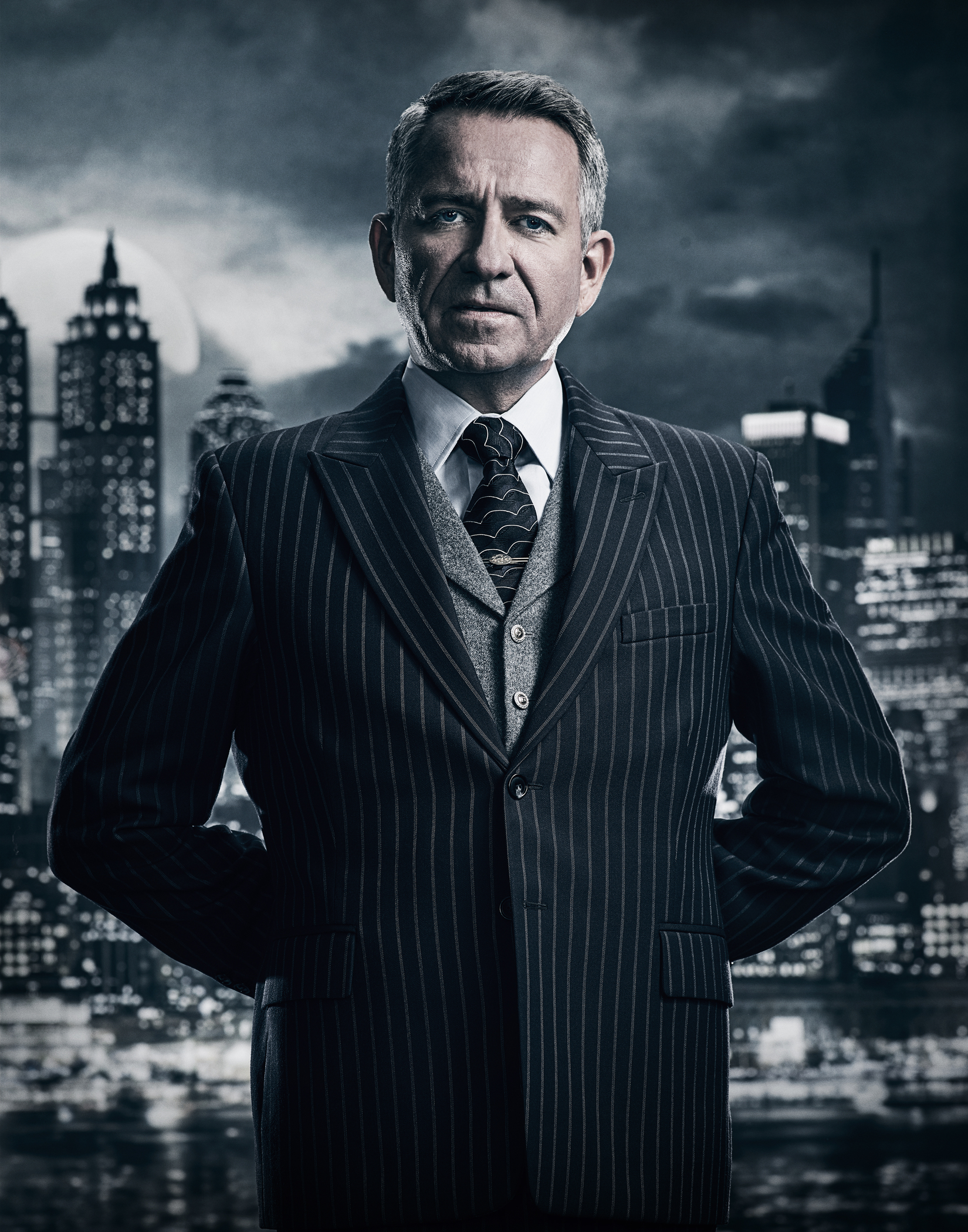 GOTHAM: Sean Pertwee. ©2017 Fox Broadcasting Co. Cr: TOMMY GARCIA / FOX