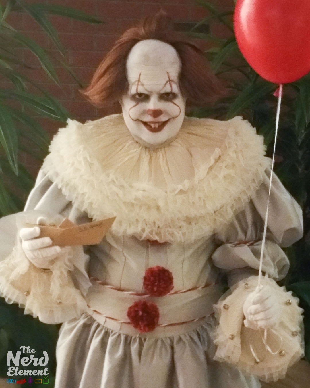 Pennywise - IT Cosplayer: Shane